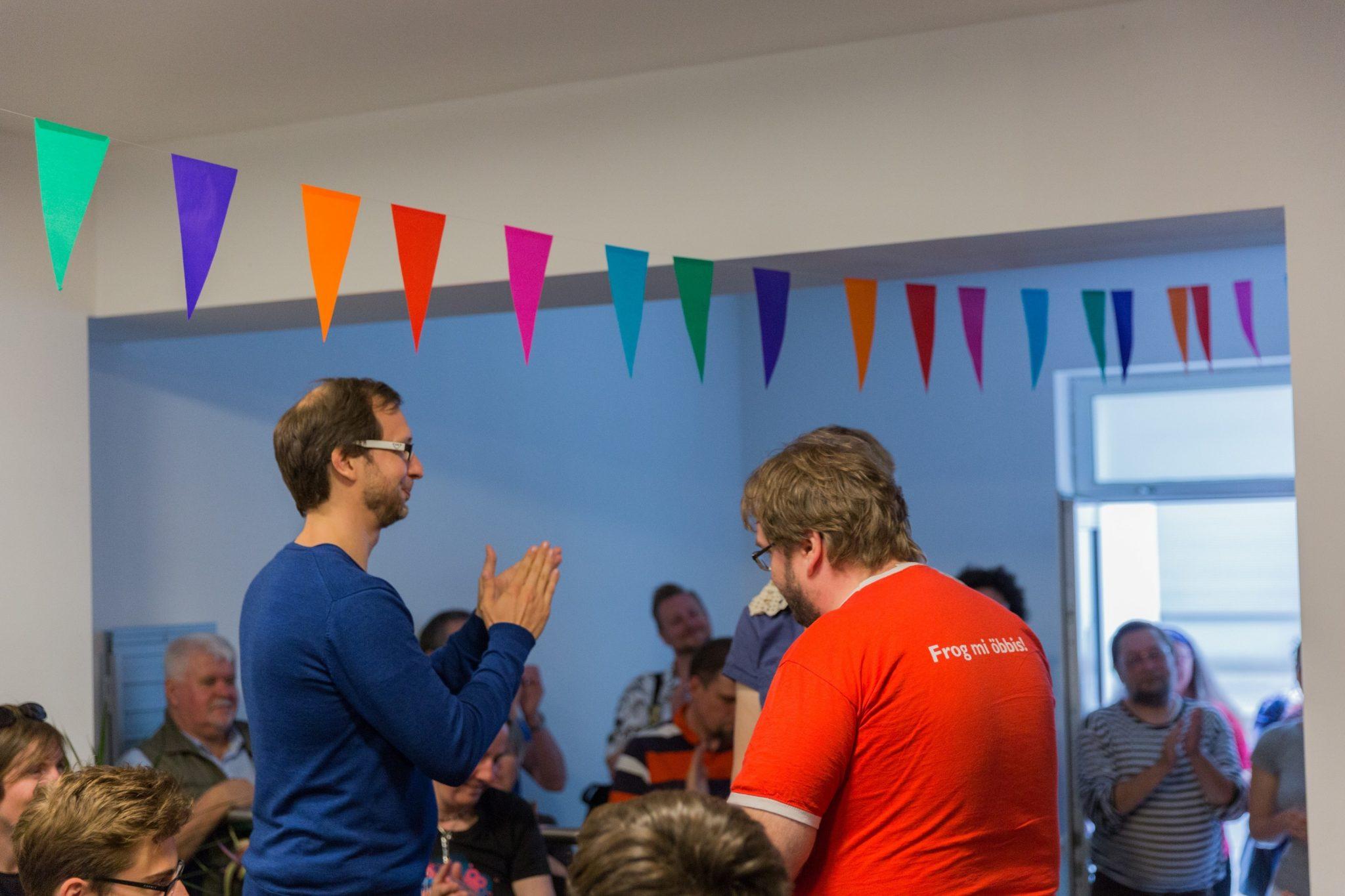 Eröffnungsfeier des WikiBär. Foto: Freddy2001 – Wikimedia Commons. Lizenz: CC-BY-SA-3.0